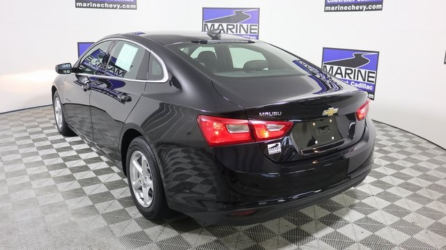Pre-Owned 2017 Chevrolet Malibu LS